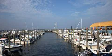 Baker's Marina On The Bay