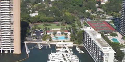 Palm Bay Club & Marina